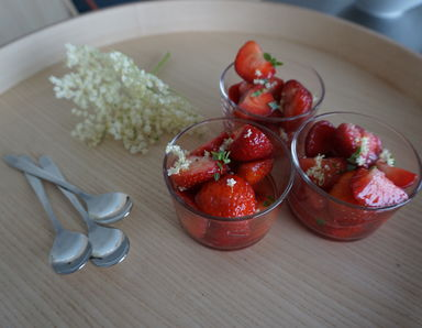 Carse of Gowrie Strawberries in an Elderflower Syrup
