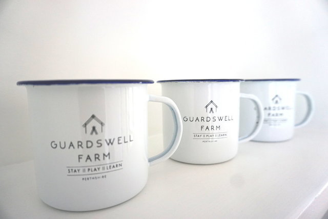 GUARDSWELL TIN MUG